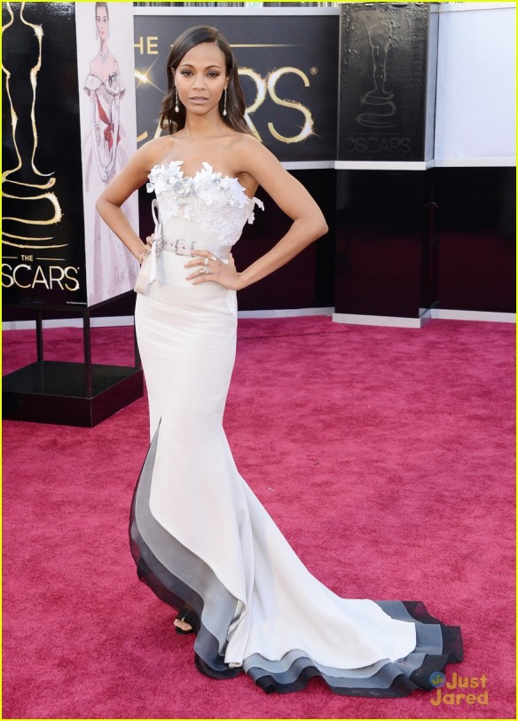 zoe-saldana-oscars-2013-red-carpet-01